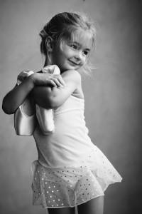 Чорно-біла фотографія дитини