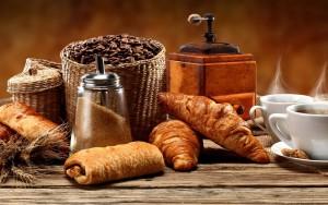 кава і круасани