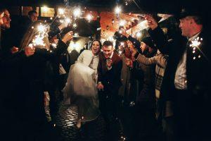 Нічна весільна фотографія