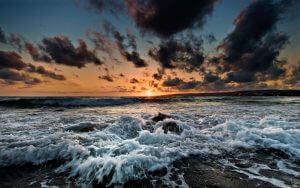 Шторм на морі. Як фотографувати море?