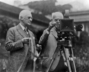 Джордж Істман з камерою