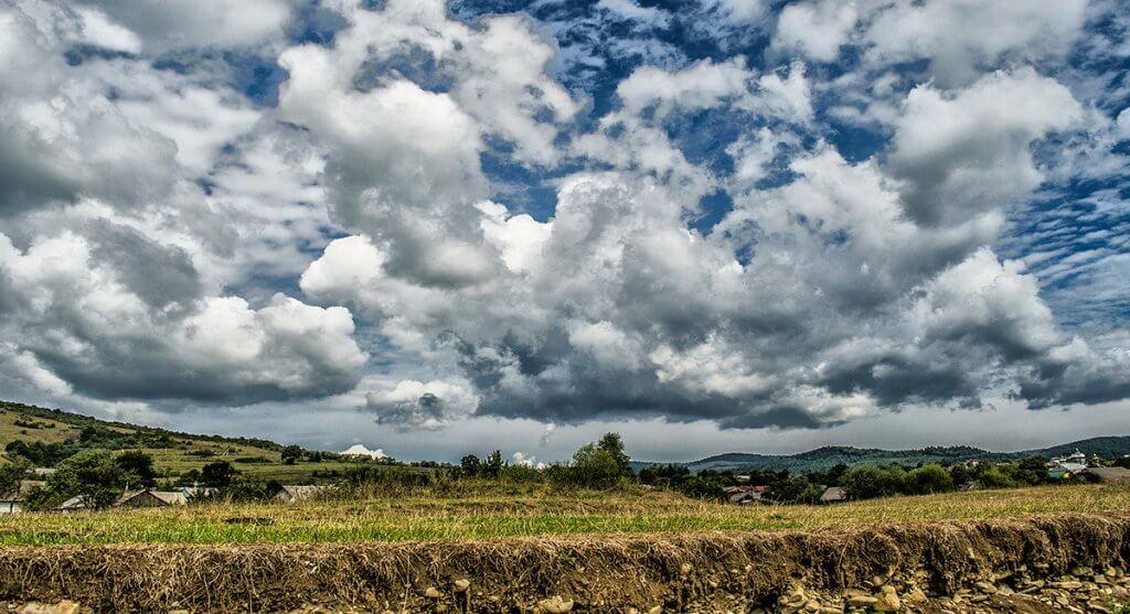 Осінні хмарки