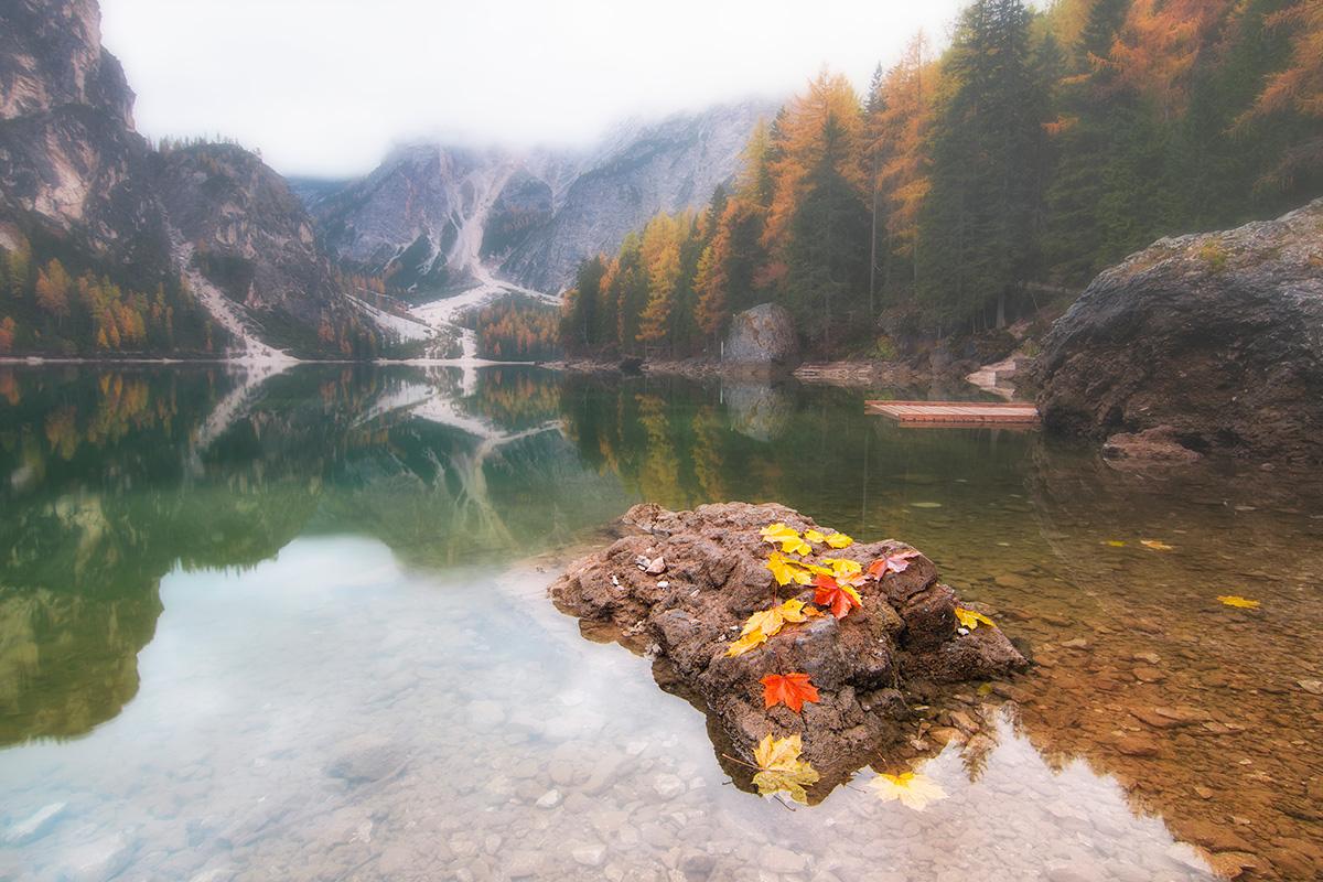 Осінні кольори Lago di Braies