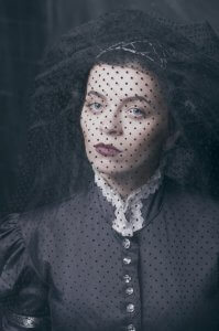 Дівчина у вуалі. Фото Ольги Кушнір