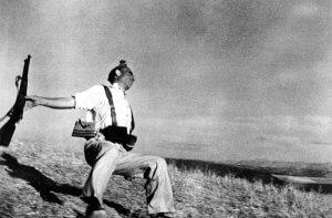 Роберт Капа. Військове фото