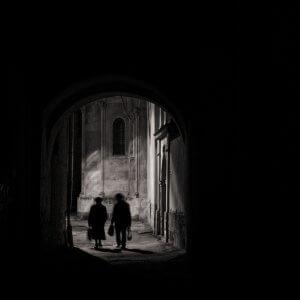"""Перехожі. Фото Дмитра Сіданченка, переможця конкурсу """"Осіння фотографія 2016"""""""