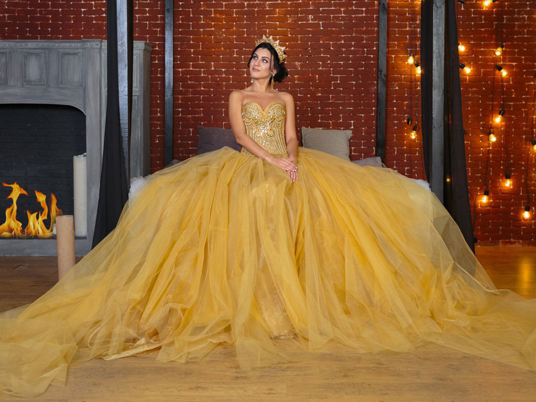 """Фотопроект """"QUEEN"""". Золота сукня"""