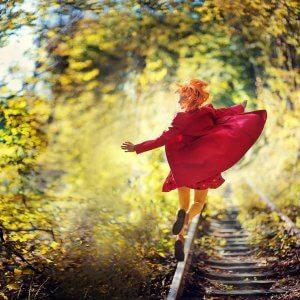 Дівчина і осінь