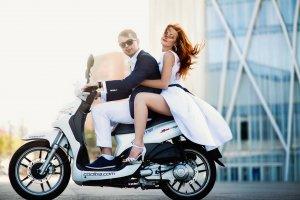 Пара на мотоциклі