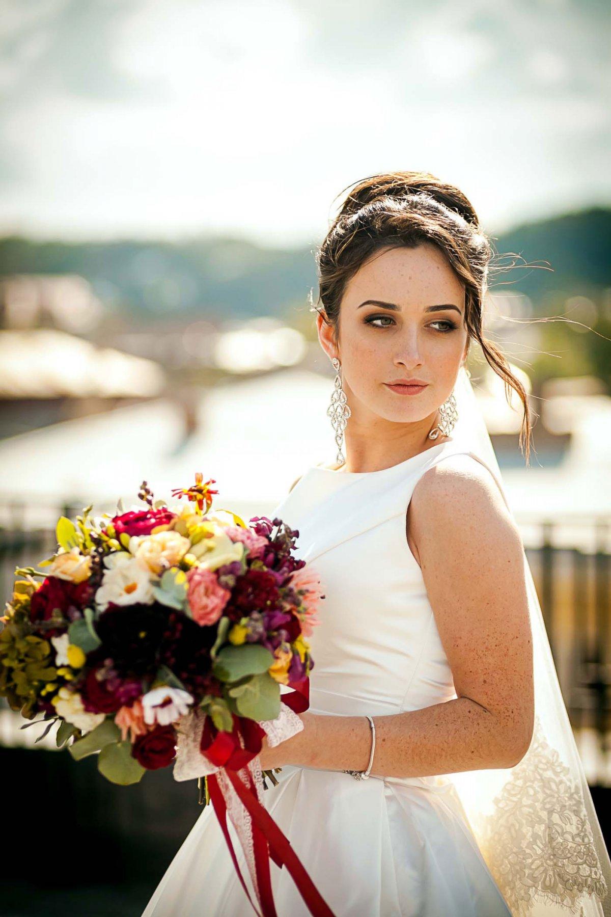 Фото нареченої з букетом