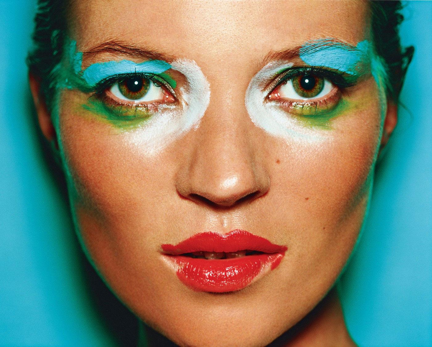 Рекламне фото жінки